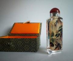 Antik kínai parfümös üvegcse, selyem dobozában