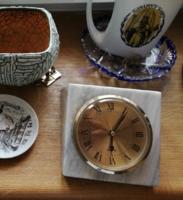 """Márványtömb asztali vagy kandalló óra """"Kőfaragó és kőszobrász"""" termék"""