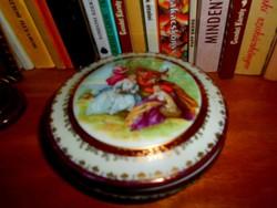 Antik  jelenetes  porcelán doboz