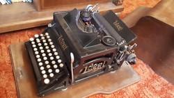 Antik Ideál írógép eredeti dobozában