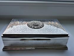 Ezüst indiai stílusú doboz