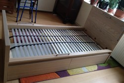 Malm ágykeret Lönset ágyráccsal, IKEA