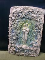 Szűz Mária kis Jézussal, Fali-oltár, festett  beton, 30 x 21 cm  Lehoczky József