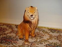 Nagyon szép és hibátlan porcelán oroszlán 18 cm magas