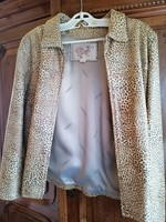 Gyönyörű leopard mintas bőr kabát M es méretben kb 40 42 méret Márkás
