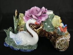 Nagy méretű jelzett porcelán hattyús asztaldísz gyertyatartó