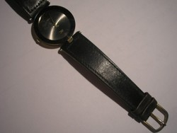 Mc Quartz Működő óra Fekete Szíjjal