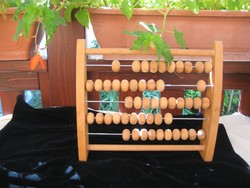 Retro  számoló gép     bükk fából  32 x 28 cm  , újszerű , szép állapot