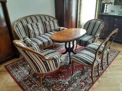 Neobarokk ülőgarnitúra asztallal