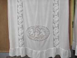 Szép régi jelenetes batiszt függöny