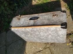 Antik fakeretes vulkánfíber koffer