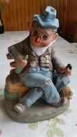 Nagyon aranyos részeg ember figura, kerámia szobor eladó!