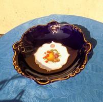 Csodás kobaltkék porcelán kínáló (afp)