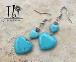 Türkiz ásvány fülbevaló: tripla szív