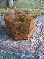 Antik Kínai hatalmas tároló doboz.