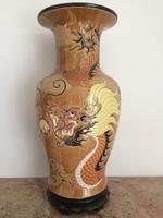 Hatalmas kínai, sárkányos váza trópusi fa talpon, keleti, japán, ázsiai