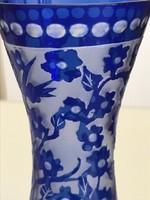 Ajka Kristály cameo váza kobaltkék színben