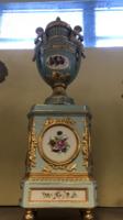 Porcelán váza-urna pár talpas- Jelzett német porcelán