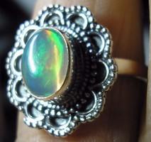 925 ezüst gyűrű 17,7/55,6 mm, etióp opállal