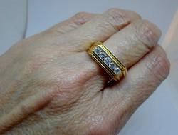 Szépséges 18kt arany gyűrű  0.6ct brillel