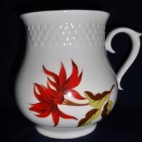 Hollóházi porcelán csészék.