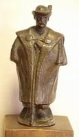 Bronz szobor: Pásztor cifra szűrben,26 cm