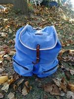 Régi ,a 40-50 évekből ,nagyon erős kék vászon,bőr szíjas hátizsák