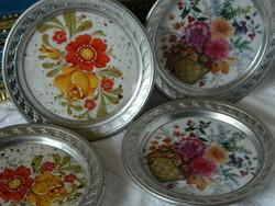 Poháralátét virágos porcelán fém kerettel 4 db