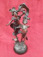Szecesszió ón szobor, több mint száz éves.