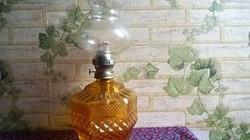 Ritkább kivitelű sárga , asztali petróleumlámpa /Gyűjtői darab/