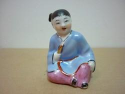 Kinai porcelán figura