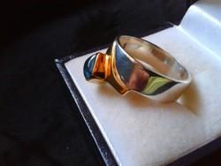 Designer ezüst gyűrű arannyal labradorittal