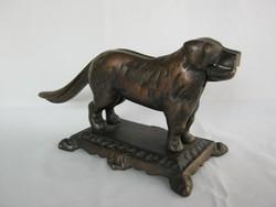 Diótörő mogyorótörő kutya