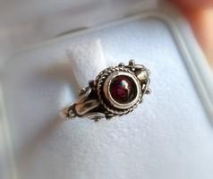 Jelzett ezüst, gránát köves antik gyűrű (10)