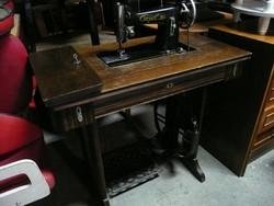 Antik Weiss Manfréd - Csepel 30 varrógép eladó