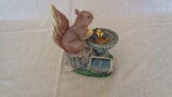 Műgyanta mókus szobor 1 Ft-ról