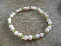 Természetes rózsaszín opál és peridot karkötő