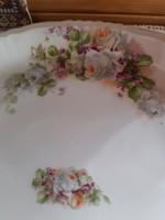 Kínáló tál gyönyörű rózsákkal