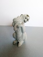 Ravenhouse monkey