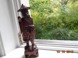 Magas Kínai klasszikus mahagóni halász szobor talapzattal 1 fából kifaragva 30,5 cm