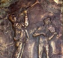 R. Törley Mária: Zenélő fiúk. 30x21cm-es bronzírozott dombormű ritkaság.