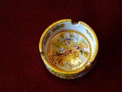 Keleti porcelán hamutál, átmérője 5,7 cm.
