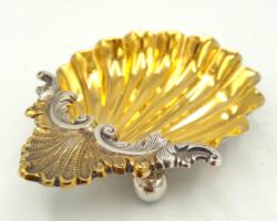 Csodás ezüst belül aranyozott kínáló