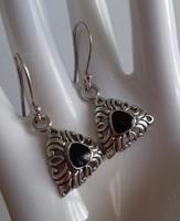 Szép, régi fülbevaló pár, fekete (onix?) kővel