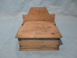 Régi fa fali sótartó, fűszertartó