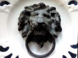 Régi öntött vas oroszlános kopogtató fogantyú 9x11cm-es