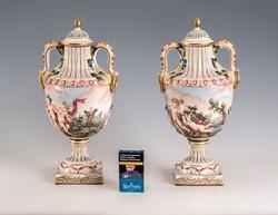 Capodimonte fedeles váza pár