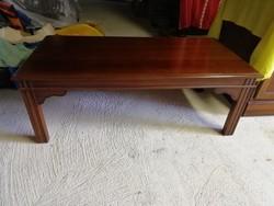 Mahagóni dohányzó asztal