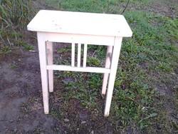 Fehér asztal vagy virágtartó eladó