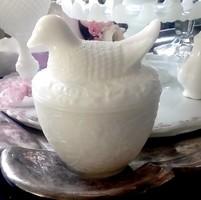 Fehér tejüveg pástétom tartó kacsás tetővel